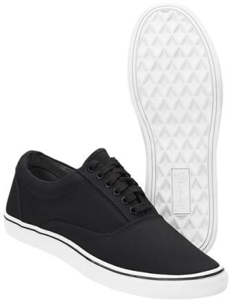- Bayside Sneaker (B-W)