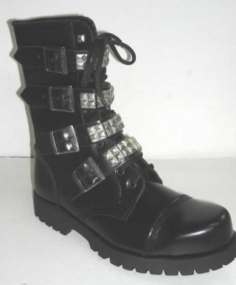 - 10 with 4 buckles + pyramids black leather