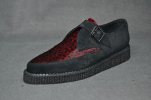 Pointed Creepermonk shoe, plain apron - black suede/red leopard