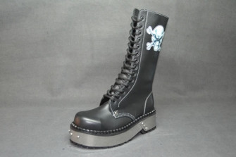 - Angry skull punk boot black grain