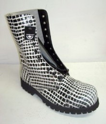 10 eye boot blk-wht croco leather