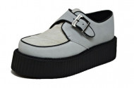 Double creeper shoe. White suede, white hair on leather