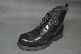 - Brogue boot black box leather