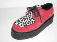 Double d-ring creeper shoe red suede/leopard apron
