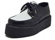Double creeper shoe. Black blox leather, white perfurated box